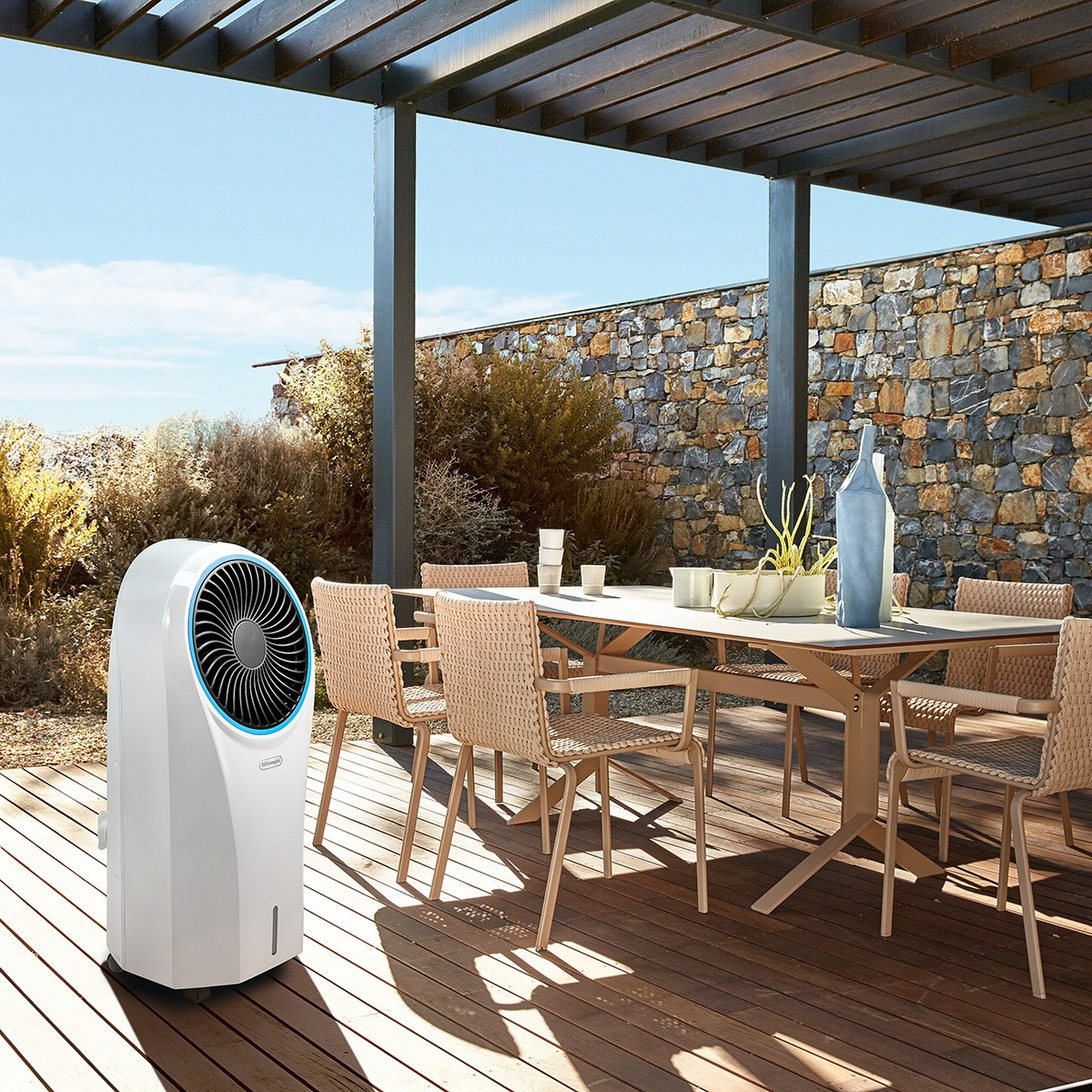DeLonghi EV250 Portable Evaporative Cooler